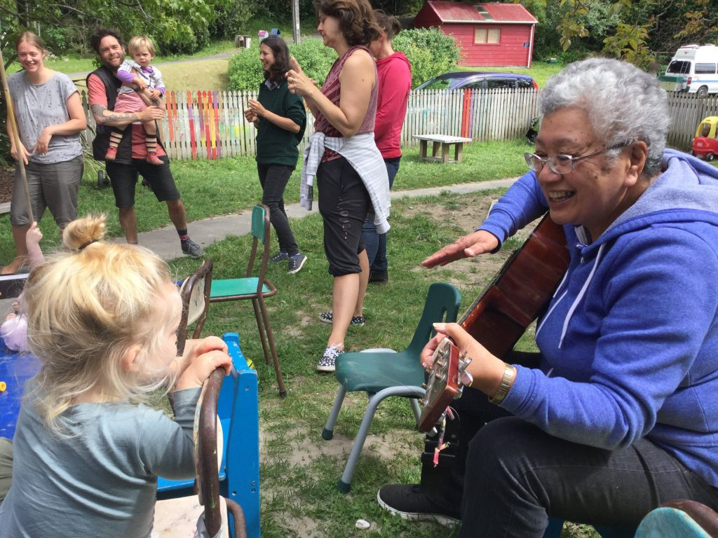 Children and parents learn te reo Māori together